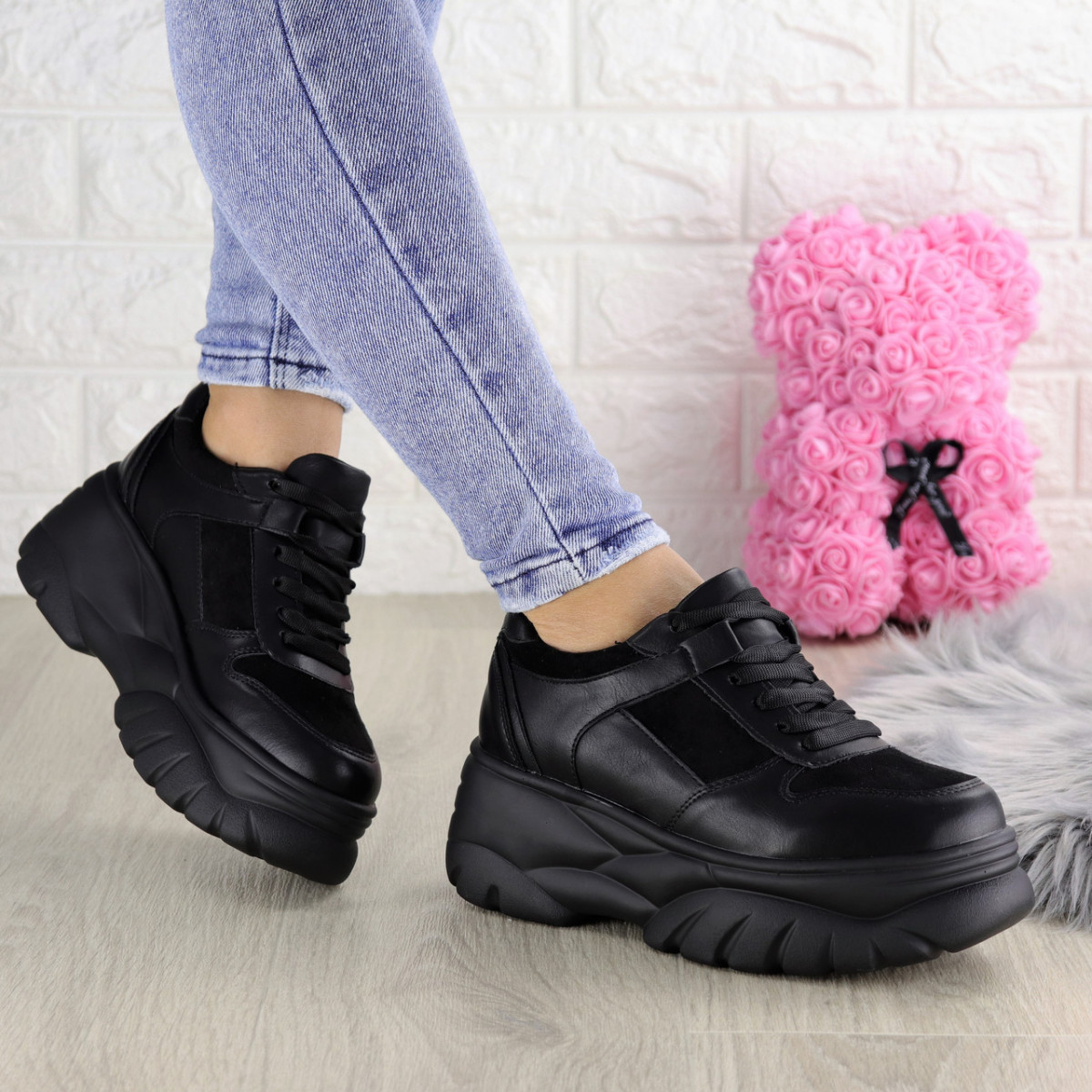 Женские кроссовки Paige черные 1372