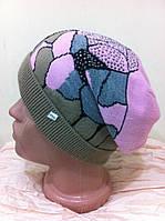 молодёжная одинарная шапка  с абстрактным рисунком