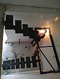 Лестница на центральной несущей (монокосоуре) в картиру, дом, котедж, таун-хаус, фото 5