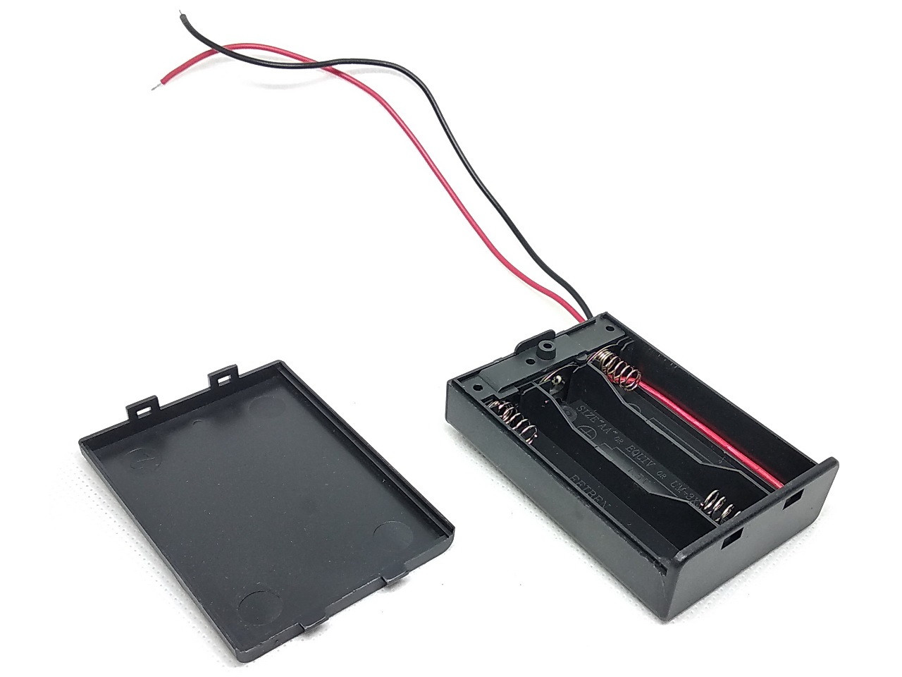 Батарейный отсек для трех элементов AA с крышкой и выключателем