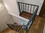 Відкрита сходи в сучасному стилі на центральному монокосоуе. П-подібні сходи в квартиру, будинок, котедж., фото 6
