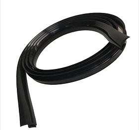 Уплотнитель лобового и заднего стекла автомобильный универсальный Y Keeper 1.7 м Черный