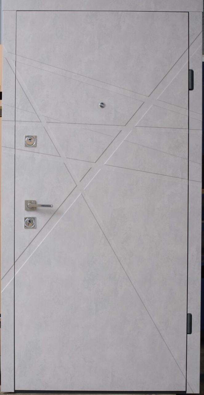 Вхідні броньовані квартирні двері Cтраж ( Комплектація Берез ) Модель Сієра