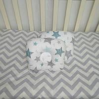 Ортопедическая подушка для новорожденных антиалергенная Звездочки на белом фоне Т.М.Миля 22 х 26 см (196)