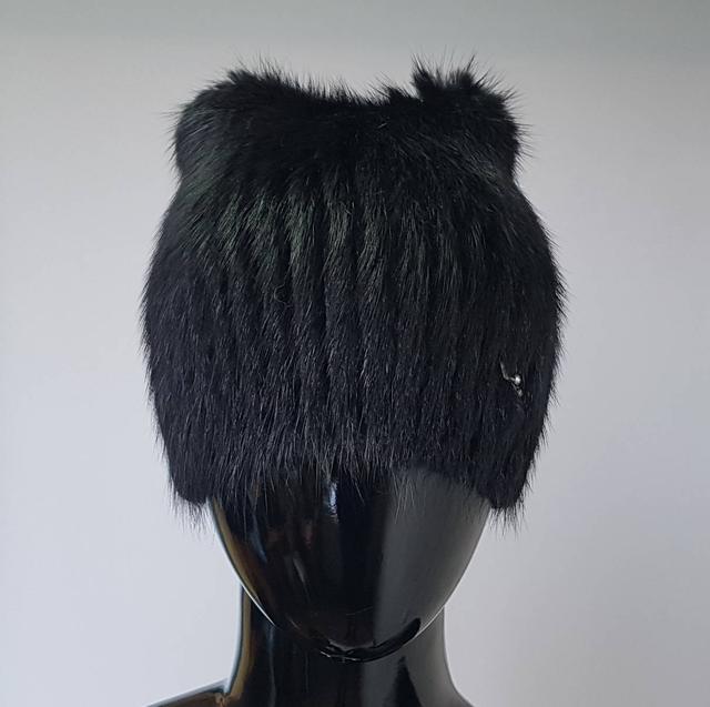 фотография женская ондатровая шапка с ушками