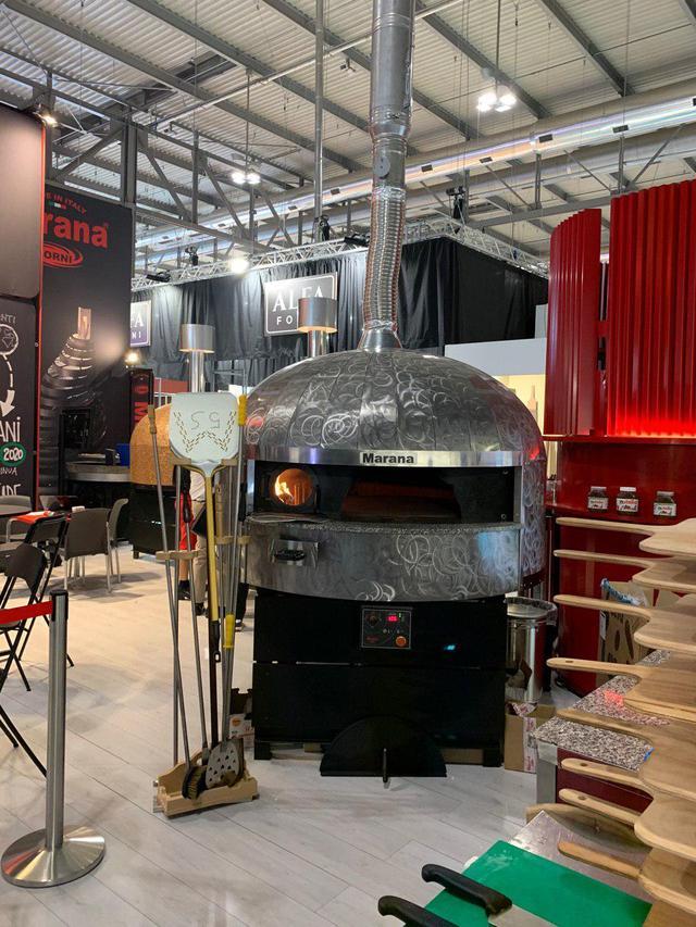 Печь на дровах для итальянской пиццы