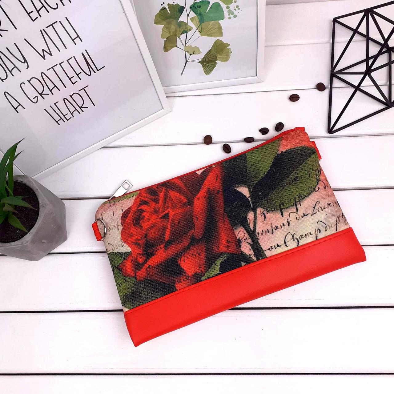 Сумка клатч красный с принтом Красная роза