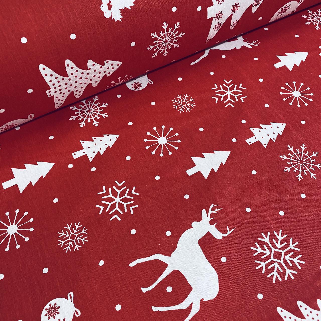 Хлопковая ткань (ТУРЦИЯ шир. 2,4 м) елки, олени, снежинки, снеговики белые на красном