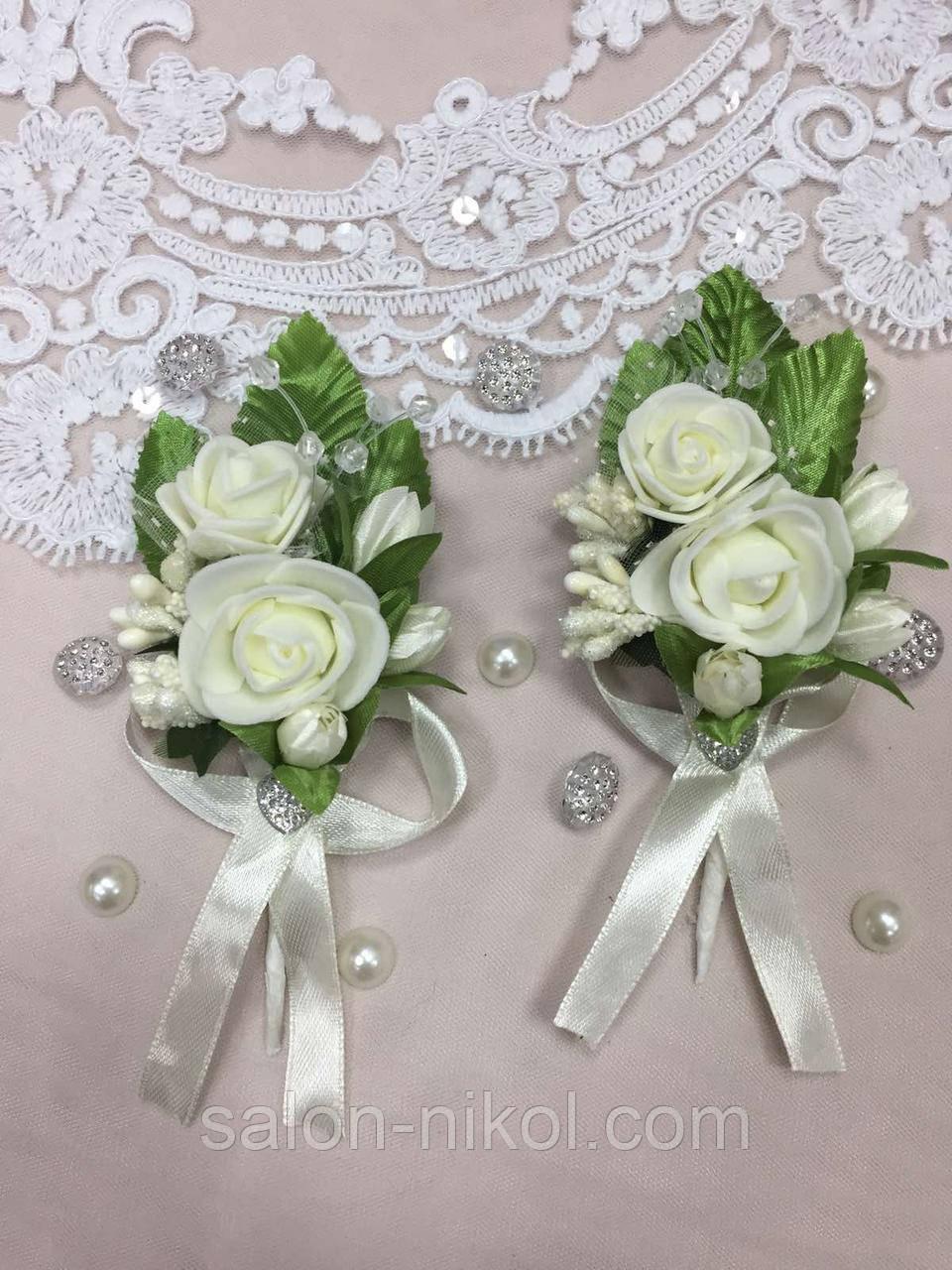 Свадебная бутоньерка для свидетелей айвори