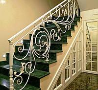 Легкие белые кованые перила для лестницы, балкона, террасы. Кованые перила в дом., фото 1
