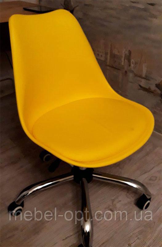 Стул Milan Office желтый на колесиках с регулировкой высоты, дизайн Charles Eames в стиле лофт