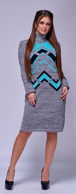 Модное теплое платье под горло р 44-50 серый