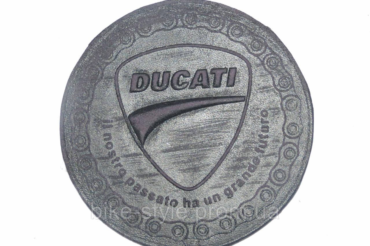Кожаная нашивка Ducati