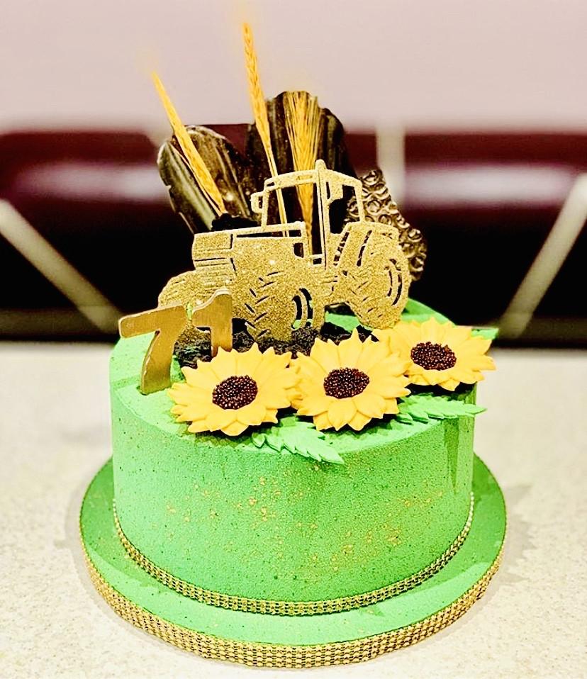 Топпер трактор , Топпер золотой трактор на торт
