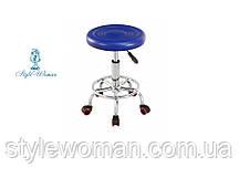 Стілець майстра без спинки на коліщатках зі шкірозамінника синій