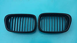 Решетка капота радиатора ноздря бмв е39 bmw e39 м рестайлинг