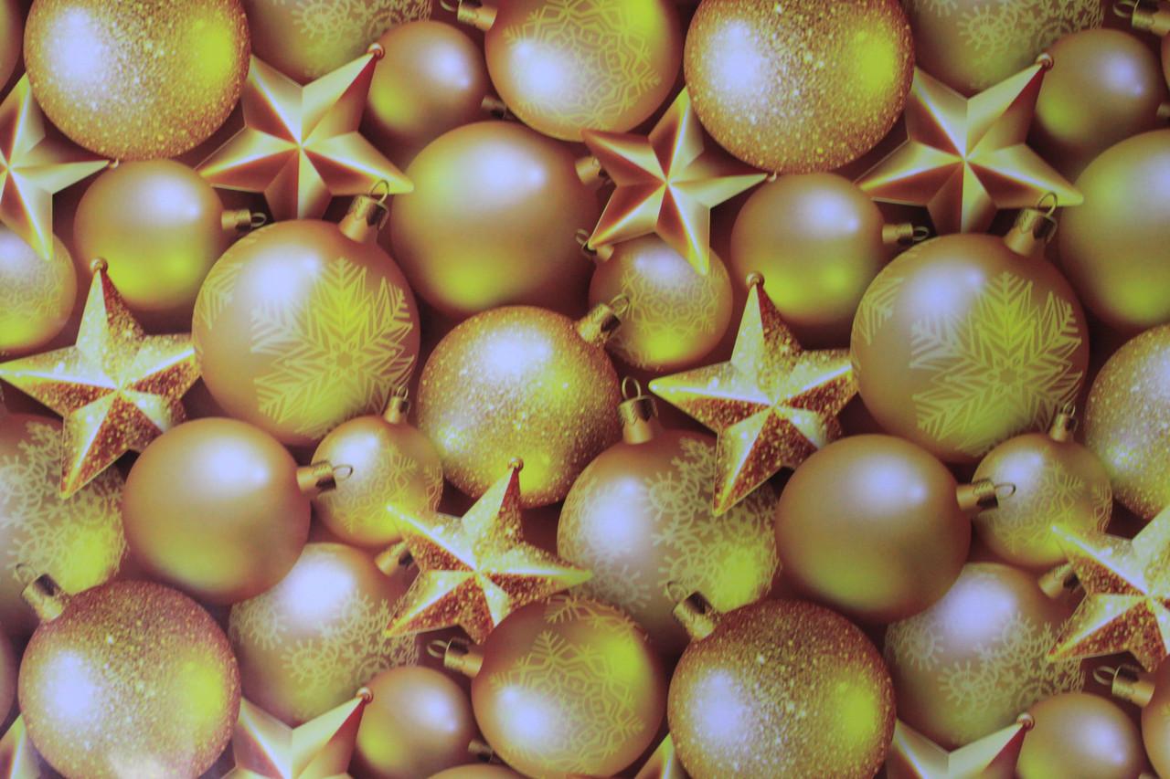 Новогодняя бумага для упаковки подарков с рисунком золотистые шарики