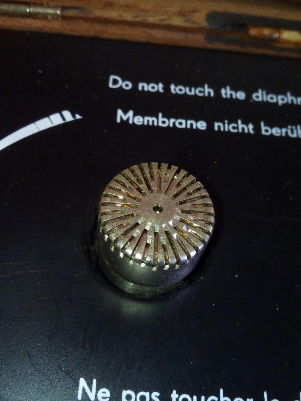 Измерительный микрофон, тип 4149 компании Bruel & Kjaer , диаметром 1/2 дюйма
