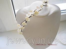 Свадебный венок айвори с цветами из полимерной глины