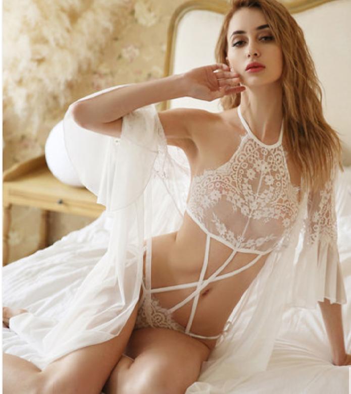 Нежный, сексуальный  белый набор с халатиком, размер S-М