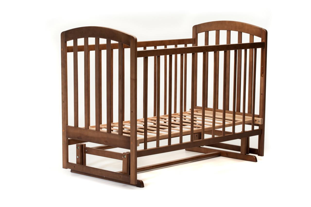 Детская кроватка «LASKA» с маятником ( натуральный лак ) Тонированный орех