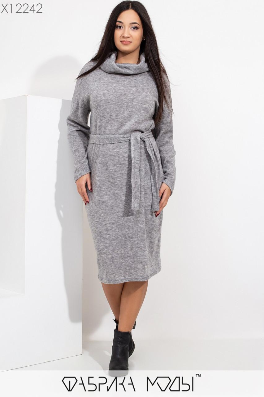 Женское вязаное платье размеров 48+ с воротом - хомутом и поясом tez115425