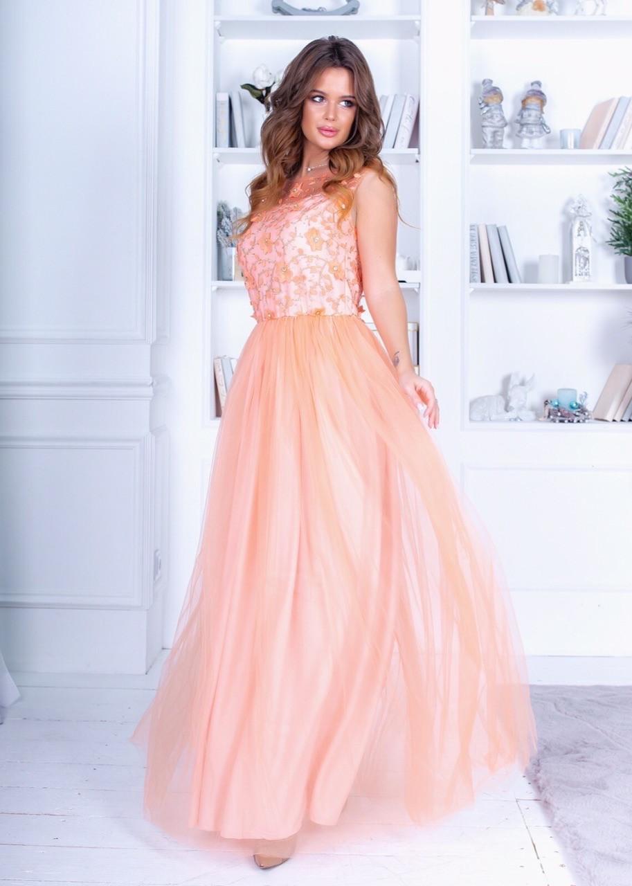 Очаровательное нежное платье в пол