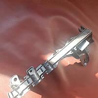 Уплотнитель капота ( уплотнение воздухозаборника, моторного отсека)  Мерседес Бенц Бенс Мерс Е Класс