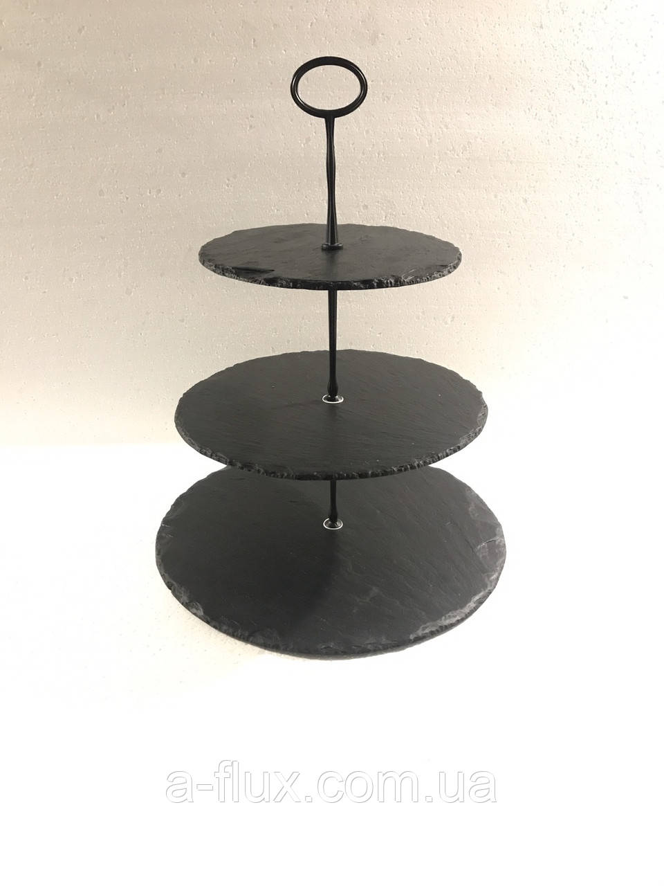 Пирамида 3-хярусная круглая (19,5х25х30см) сланец, черная фурнитура  Н37см  Украина 002382
