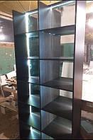Шкаф с подсветкой, Витрина с зеркалом на задней стенке. Модель V851 коричневый