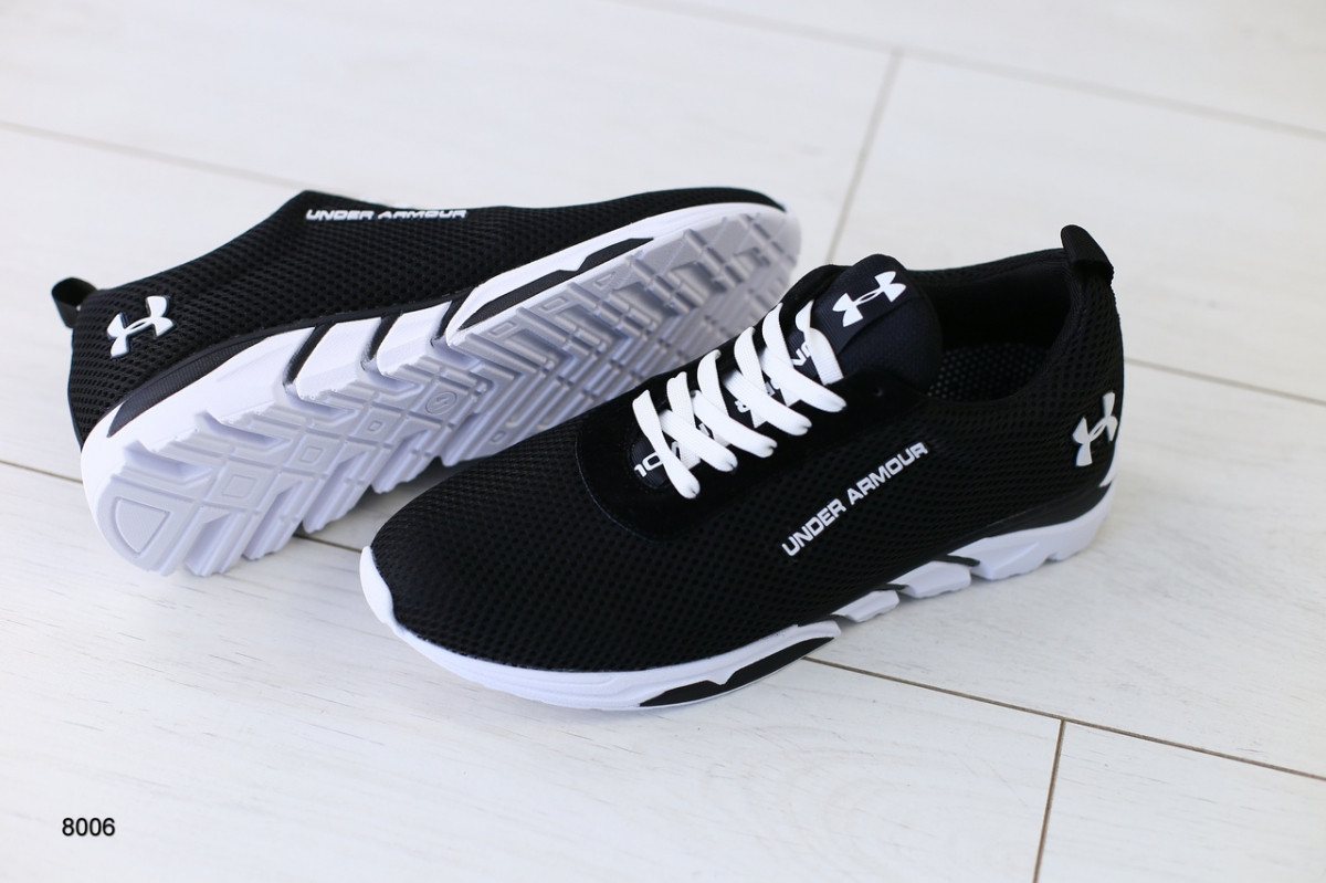Мужские кроссовки в сеточку, черные