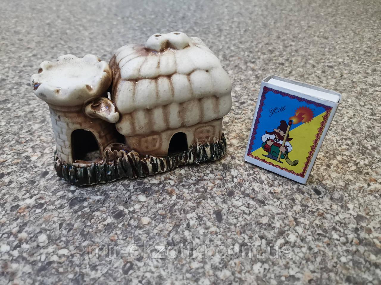С486 Керамическая декорация для аквариума Домик с башней