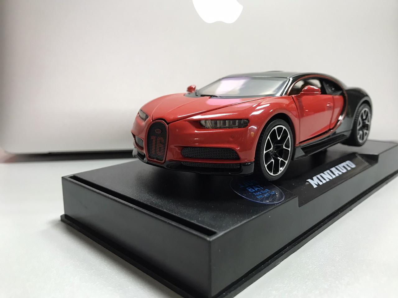 Коллекционный автомобиль Bugatti (красно- черный)