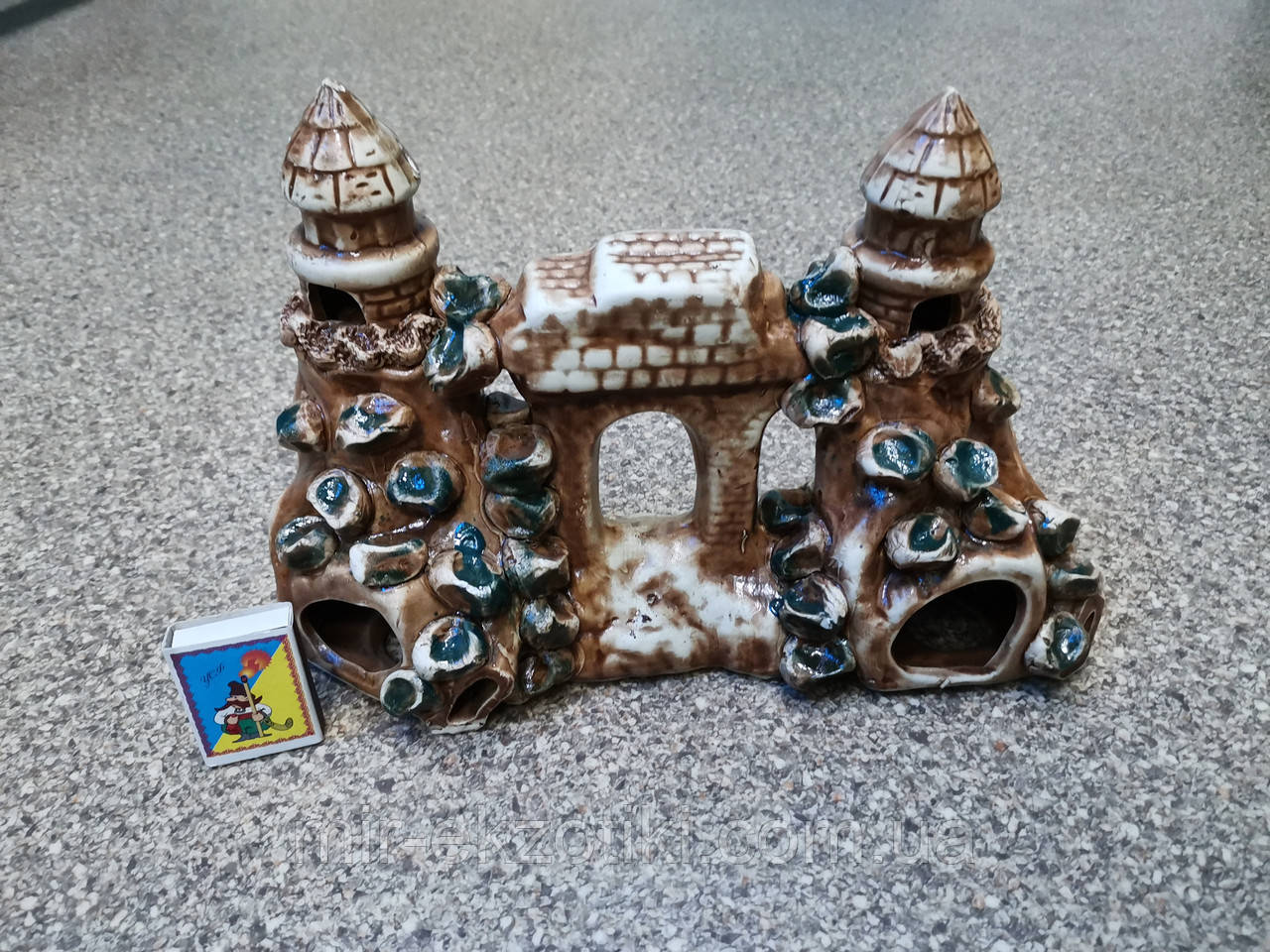 С330 Керамическая декорация для аквариума Башня на скале