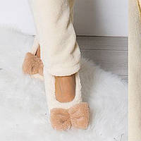 Домашние женские уютные женские махровые тапочки-балетки с объемным махровым бантиком. Арт-4813 молочные
