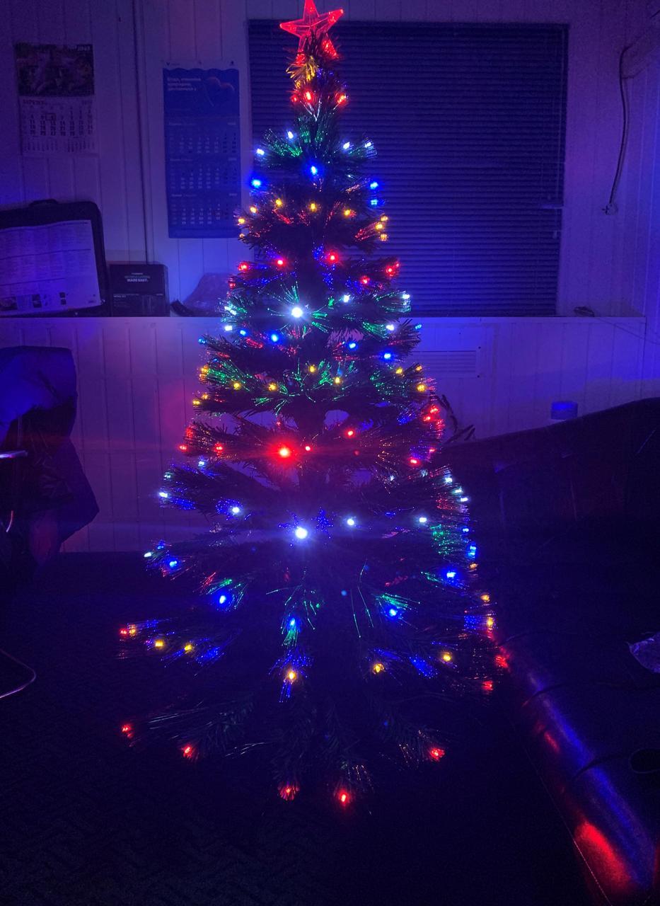 Елка светящаяся светодиодная оптоволоконная 150 см vip150