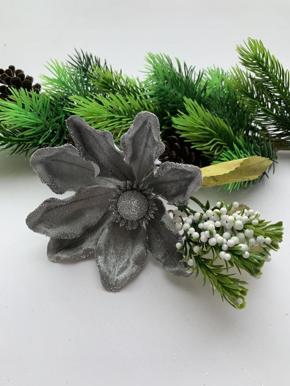 Пуансеттия для декора ( серебро)
