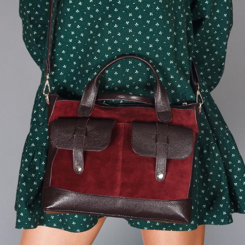 Кожаная  женская сумка бордового цвета с двумя ручками и накладными карманами, цвет любой на выбор