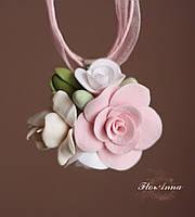 """Кулон с цветами ручной работы """"Розовый айвори"""". Подарок девушке на 14 февраля, 8 марта"""