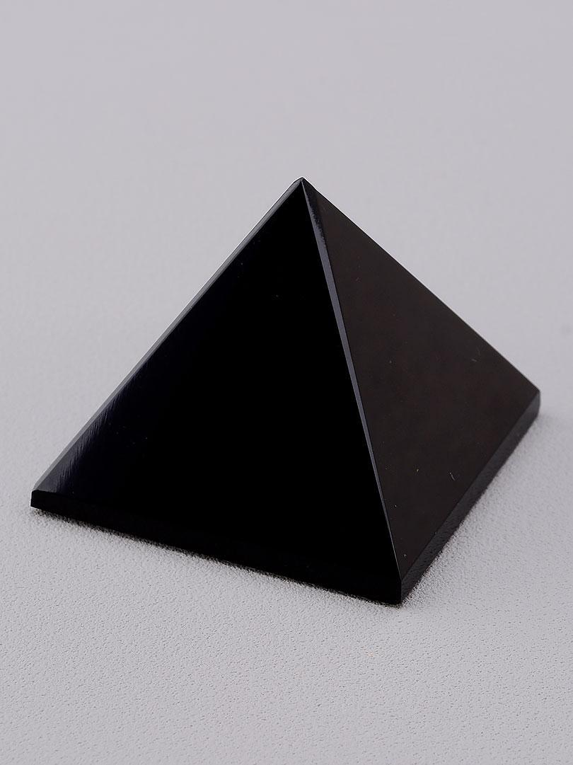 062201 Пирамида Агат 40х40х30мм.
