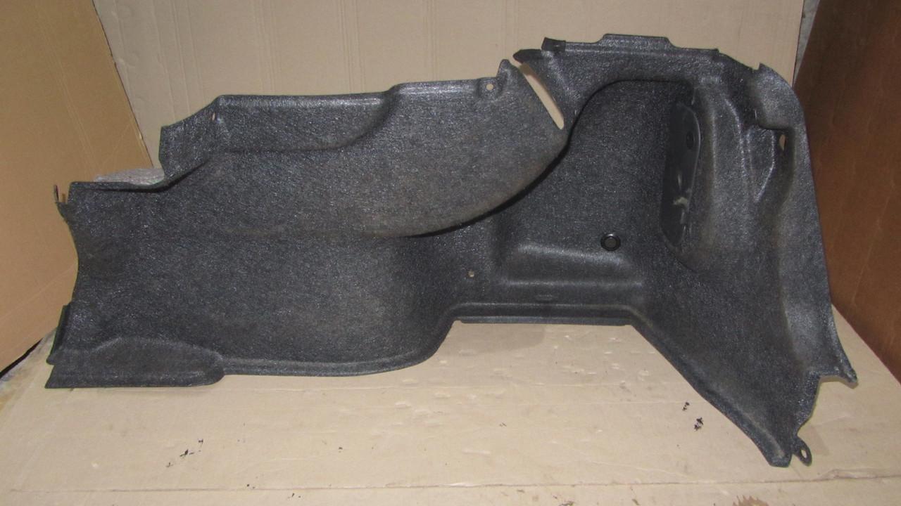 Обшивка багажного отсека правая Subaru Legacy B13 94511AG030