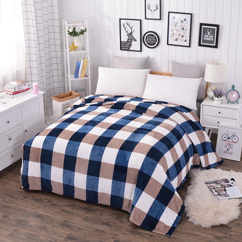 Плед покрывало 200х220 велсофт Клетка сине бежевая на кровать, диван