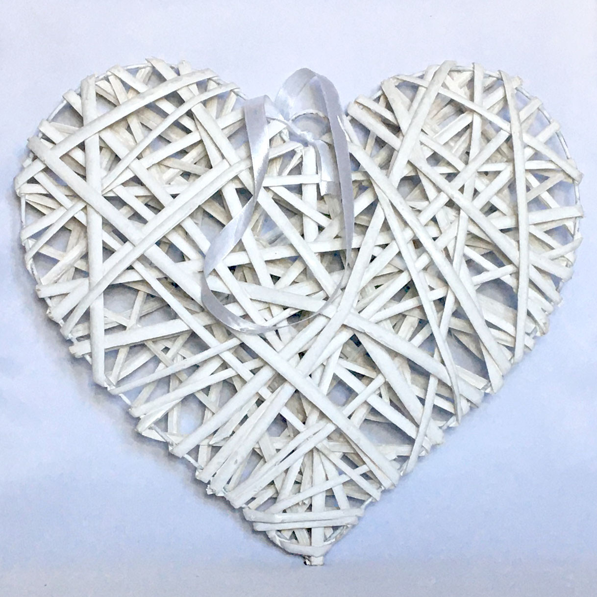 Сердце из лозы 24 см белое