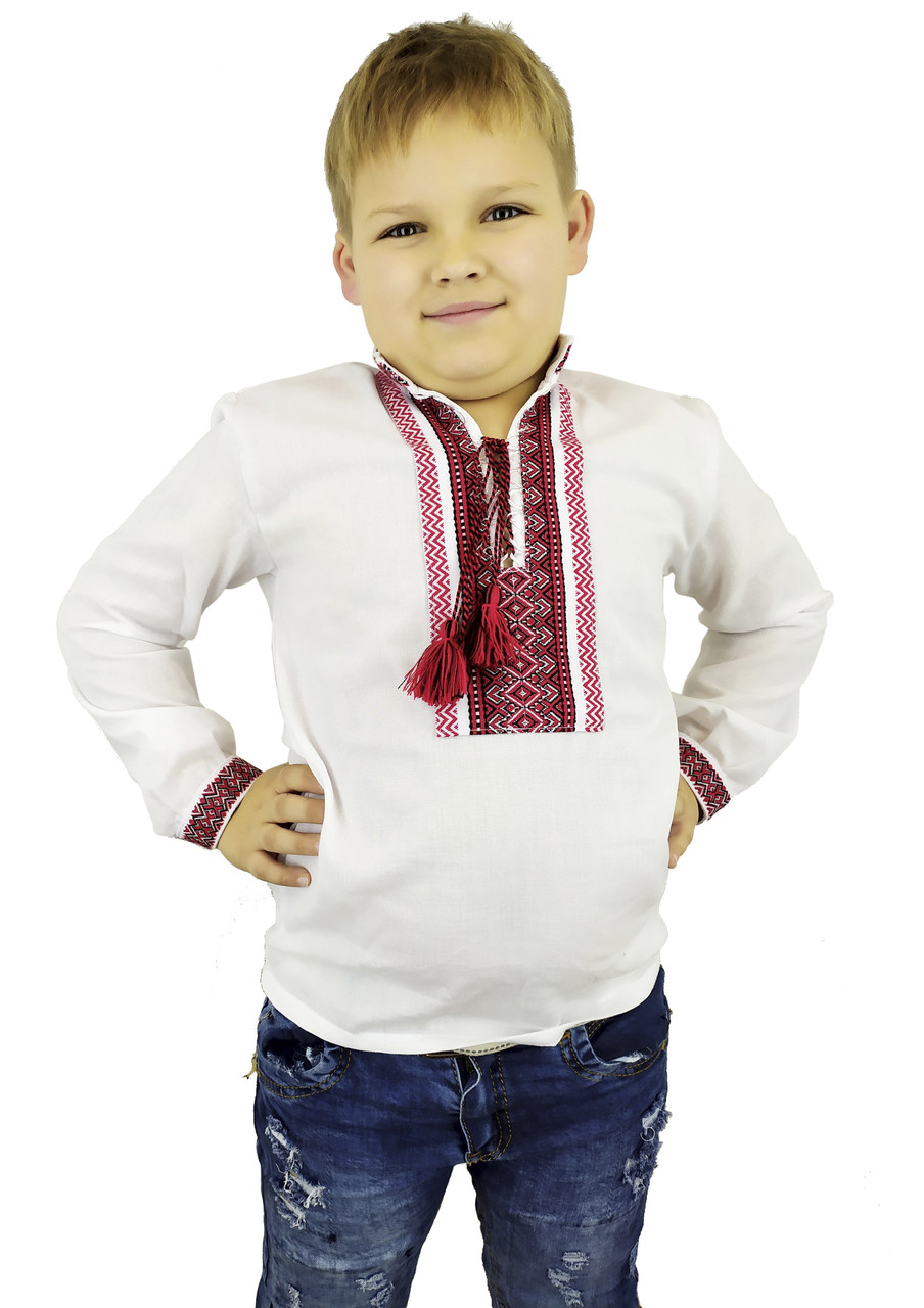 Біла вишиванка для хлопчика із геометричним орнаментом