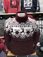 Мужские вязанные свитера с новогодними орнаментами.