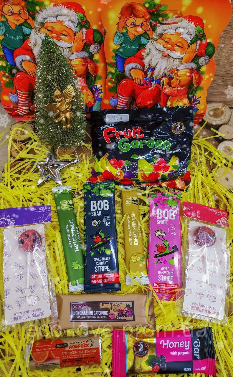 Новорічний набір корисних солодощів. Корисний подарунок.