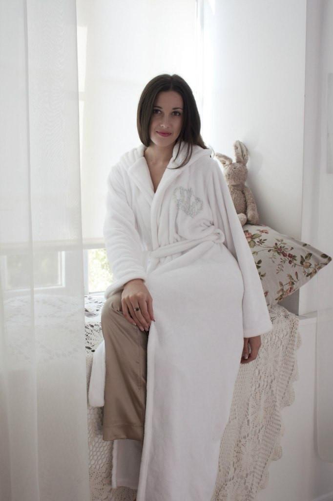 cf81c740bb2e Махровый длинный женский халат с капюшоном, материал Velsoft-махра. Опт,  розница.