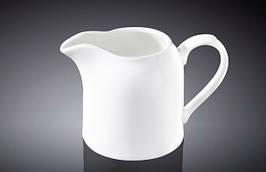 Молочник столовый Wilmax фарфоровый с ручкой 250 мл