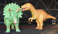 Надувной костюм динозавров Велоцираптор и Трицератопс