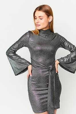 Женское черное блестящее мини платье с поясом